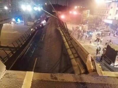 312国道无锡段上跨桥垮塌,桥下3辆小车被压